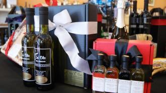 Conolio olive oil and vinegar gifts