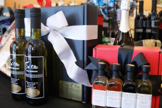 Conolio olive oil and vinegar gifts