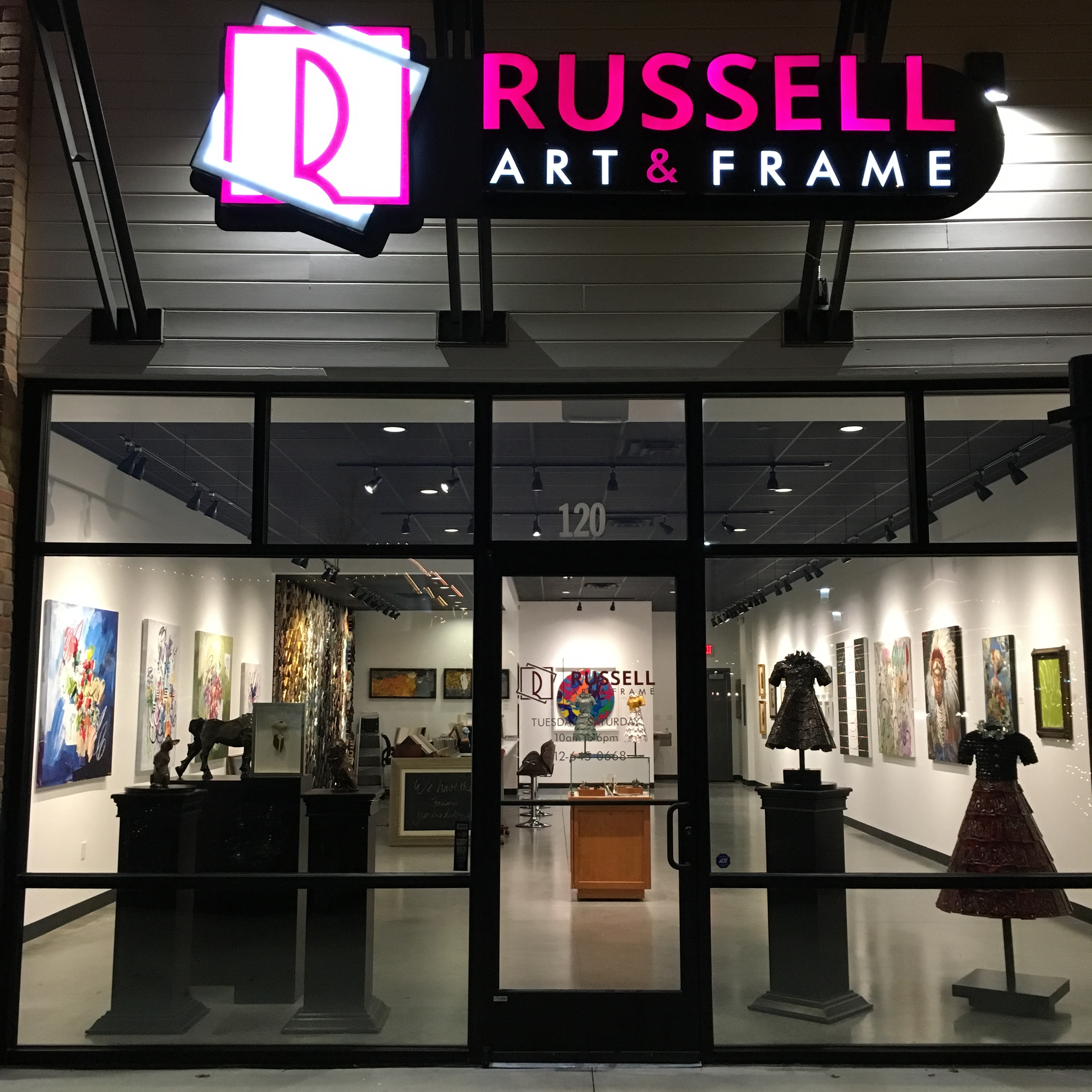 Russell Art and Frame Oaks at Lakeway