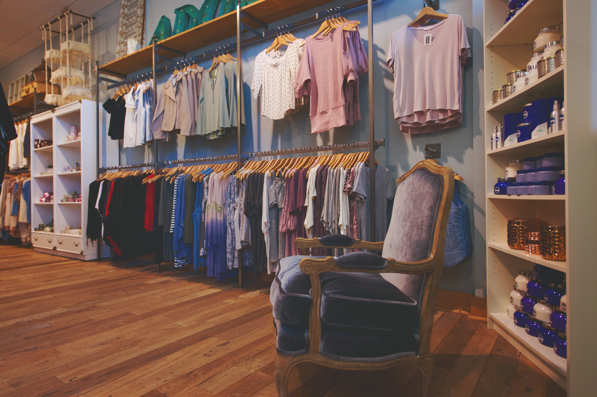 boutiques in lakeway adorn
